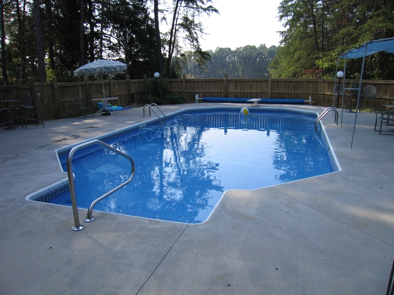 Attractive Inground Swimming Pool Design