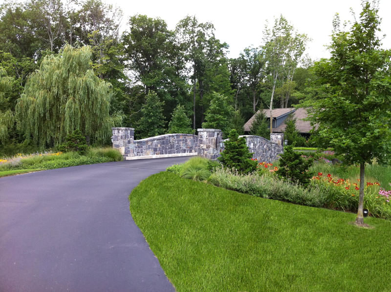 Driveway landscaping Layout
