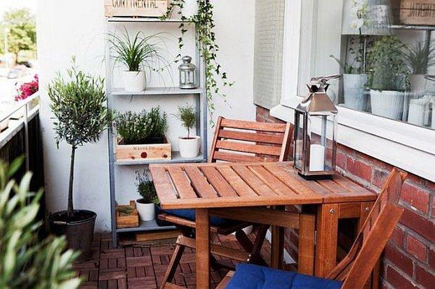 Free Balcony Furniture Idea