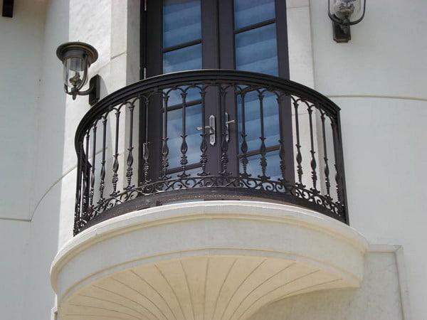 Glass Balcony Layout