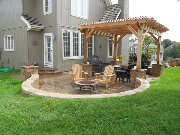 Modern Back Patio Idea