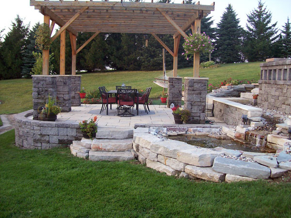 Modern Backyard Landscaping Idea