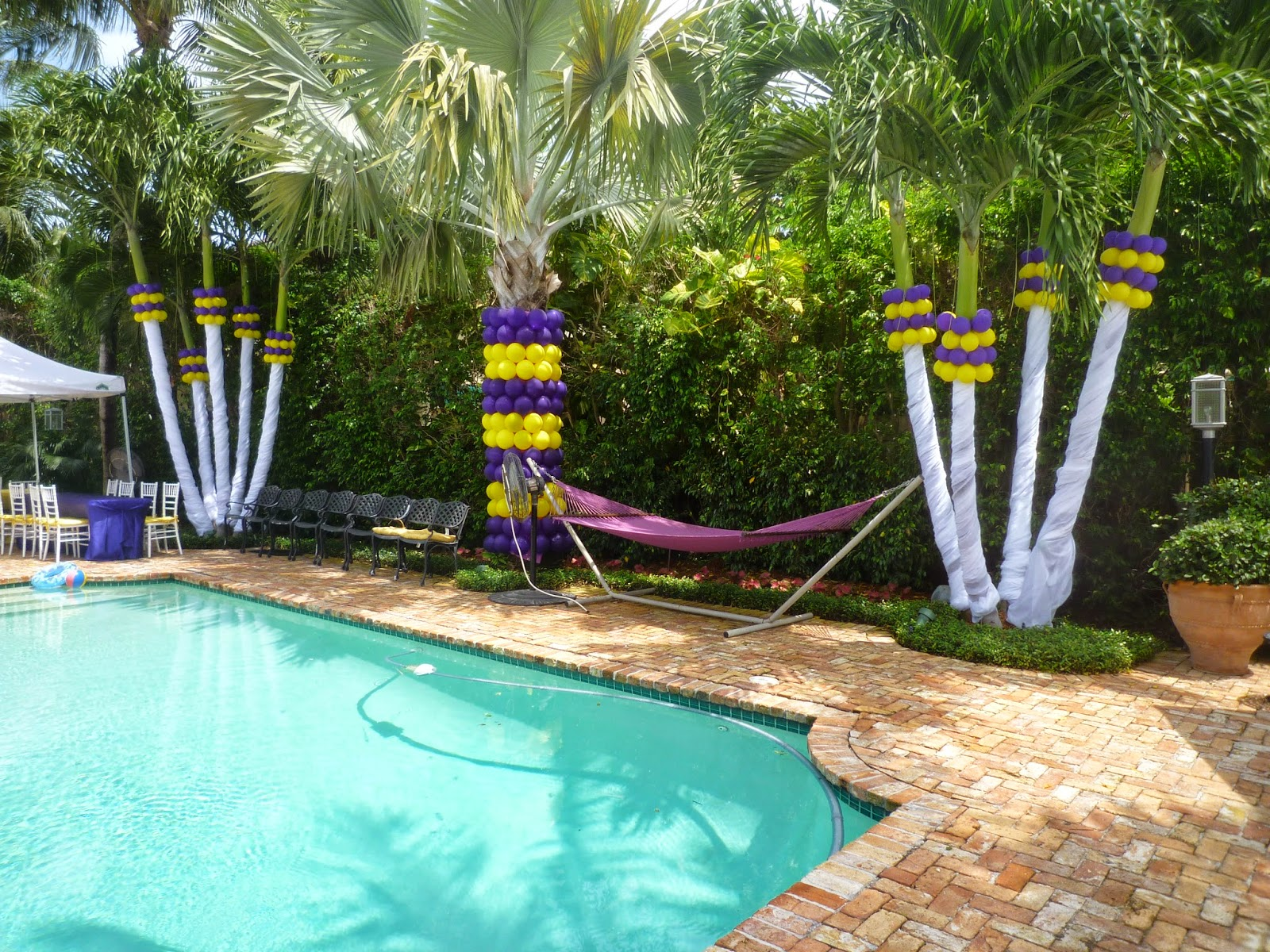 Pool landscaping Free Idea