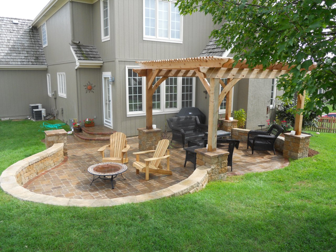 Simple Back Patio Idea