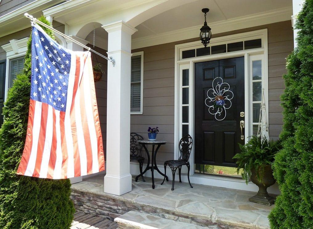 Simple Front Porch Decorating Idea