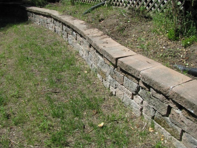 Simple Retaining Wall Picture