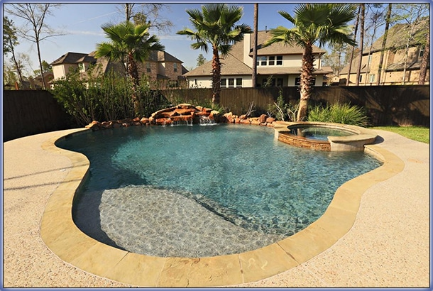 Small Backyard Pool Idea