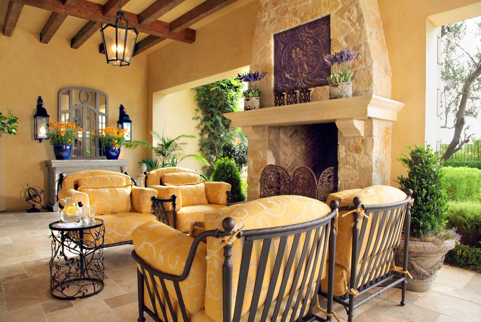 Tuscan Decor Wallpaper