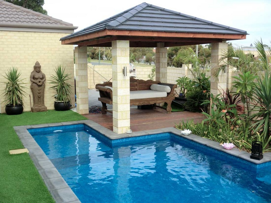 Unique Backyard Pool Idea
